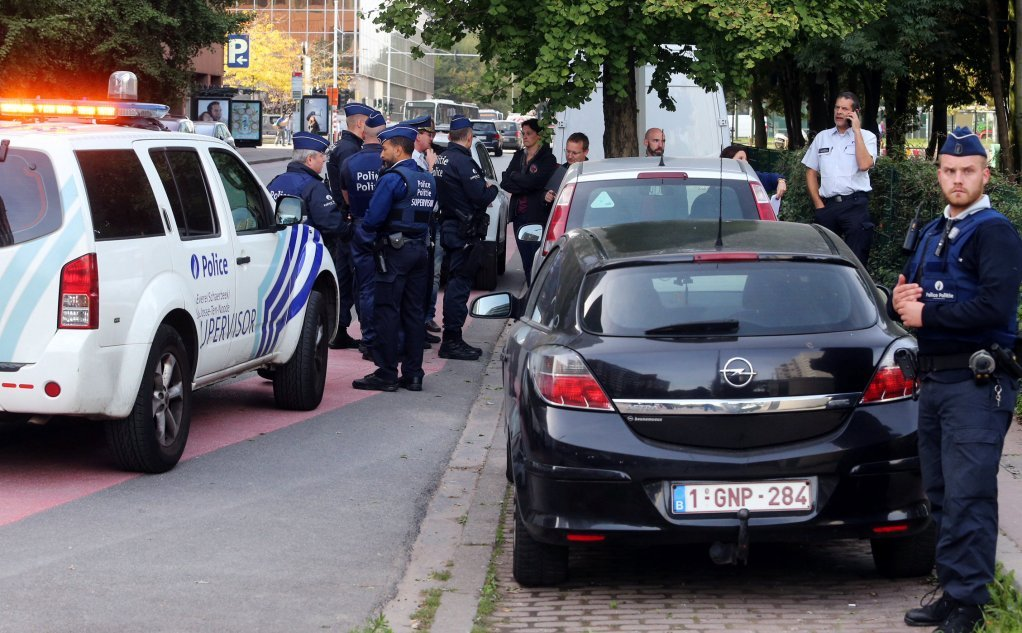 بلجیمي پولیسو د ماکسیملیان پارک په شاوخوا کې، رویترز