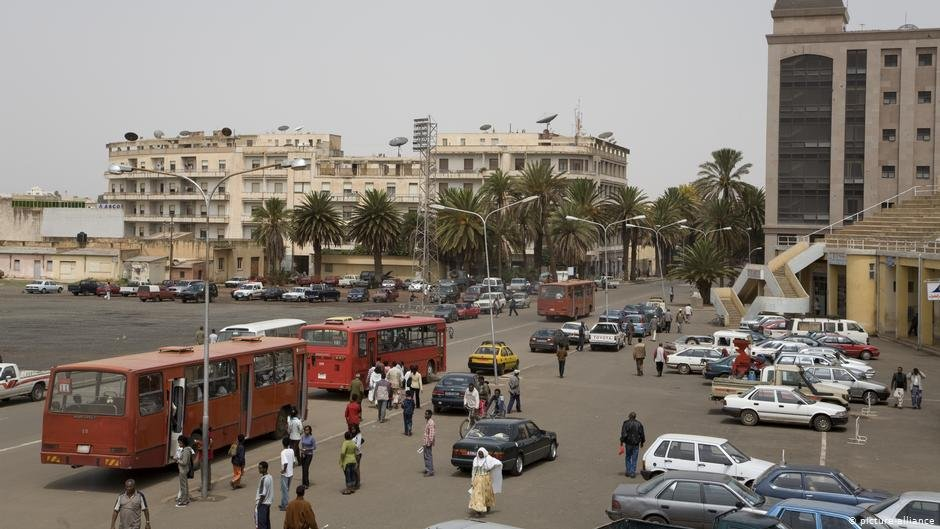 Many young people leave urban areas like the Eritrean capital Asmara trying to flee from conscription | COPYRIGHT: picture-alliance