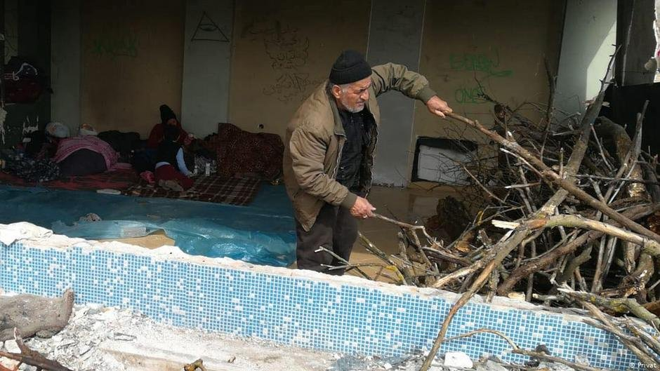 در میان مهاجران افغان افرادی هم موجود اند که سن شان بالاتر از هفتاد سال است