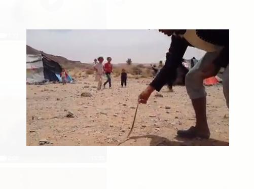 اللاجئون السوريون العالقون على الحدود المغربية الجزائرية