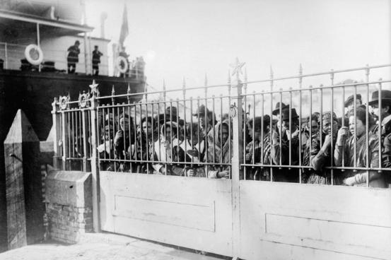 Des émigrants italiens en France, en 1920. Crédit : Musée de l'histoire et de l'immigration