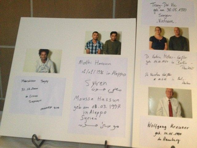 صور بعض اللاجئين تحكي قصصهم في طريق هجرتهم