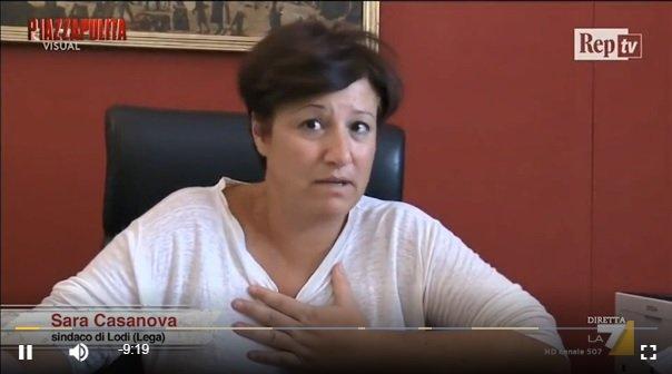 Northern League mayor of Lodi, Sara Casanova | Source: Screenshot TV report La 7