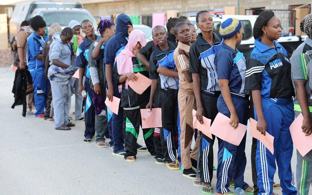 Des migrantes rapatriées de Libye par l'OIM. Crédit : Reuters