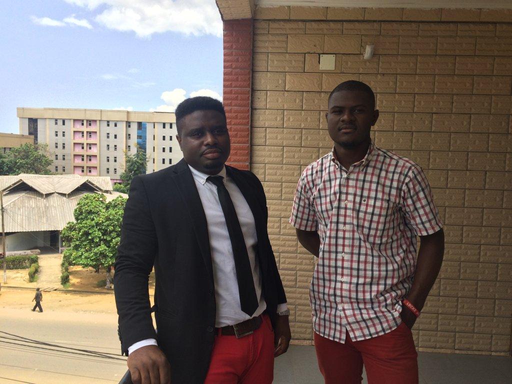 Philippe Nkouaya et son associé Adams Vessah, responsable de la communication chez PhilJohn Technologies. Crédit : Julia Dumont