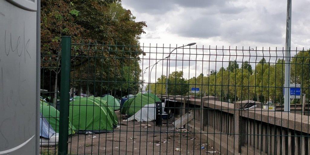 خیمههای مهاجران در کمپ پورت دوبرویلیه، در شمال پاریس،  ٢٣ سپتمبر ٢٠١٩. عکس از مهاجر نیوز