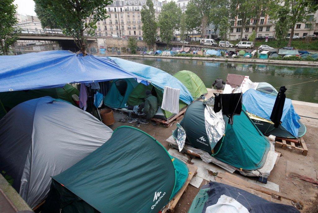 Reuters |Les campements dans le nord-est de Paris, et notamment près du canal St-Martin (photo), ne cessent de grossir.