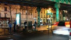 صورة ليلية سابقة لإحد الأماكن التي كان يشغلها أحد المخيمات العشوائية / الصورة مهاجر نيوز