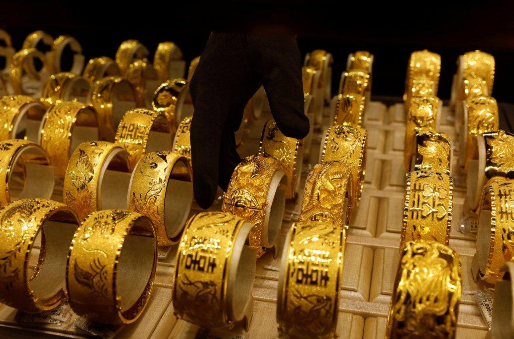 مجوهرات معروضة/ رويترز