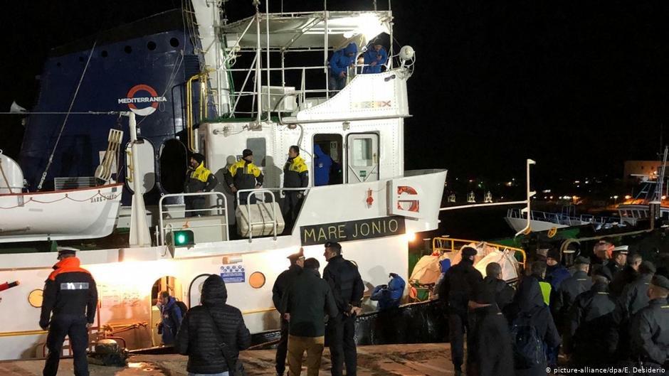 Mare Jonio docked in Lampedusa Photo: picture-alliance/dpa/E. Desiderio