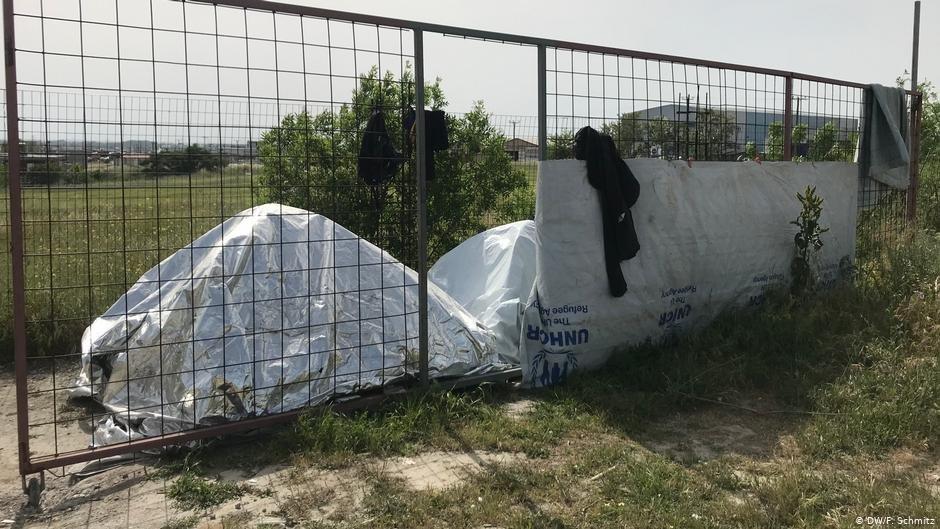 خیمه هایی که پیرامون کمپ دیاواتا در نزدیکی تسالونیکی ایجاد شده اند./عکس: DW/F. Schmitz