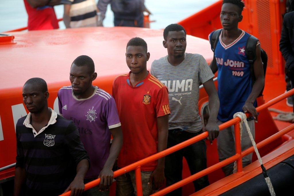 تصویر مهاجرانی که در ماه جون وارد اسپانیا شدند. عکس از: رویترز