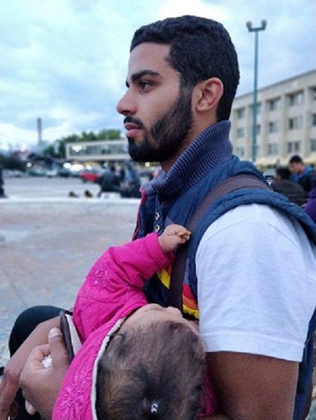 """Abdallah était en Allemagne. Il est venu chercher sa famille en Bosnie après le rejet de sa demande de """"regroupement familial"""". Crédit : InfoMigrants"""