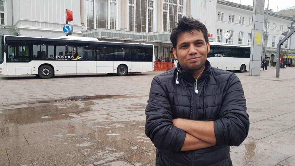 امجد خان، مهاجر افغان در شهر سالزبورگ اتریش. عکس از عاصم سلیم