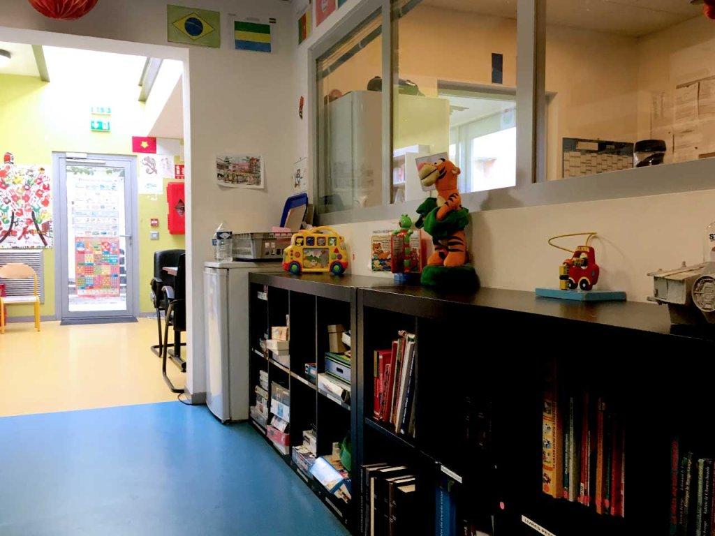 Un espace de jeux pour les enfants et les familles existe dans la ZAPI Crdit  InfoMigrants