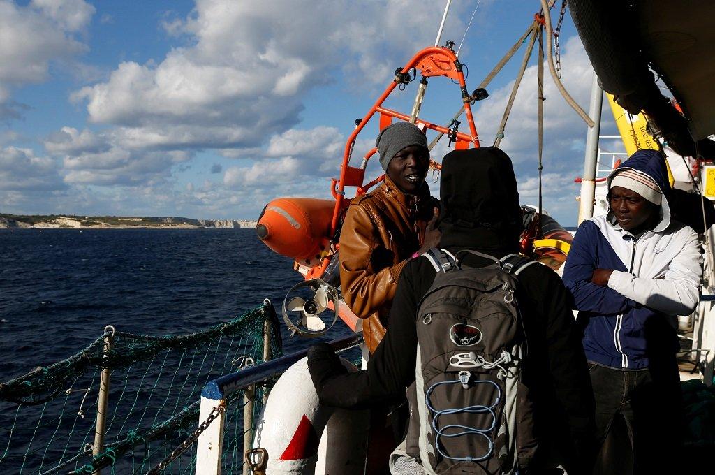 Des migrants à bord du Sea Watch 3, le 4 janvier 2018. Crédit : Reuters