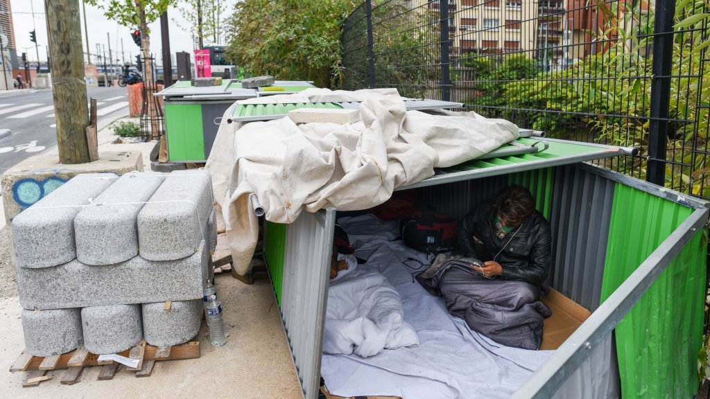 Khan Mohamed Chamran 25 comes from the Daykundi province in Afghanistan Its been two weeks since he arrived in Paris and he occupies one of these makeshift sheds with three other people He regularly tries to call the OFII to ask for asylum but cant get through Credit Mehdi Chebil