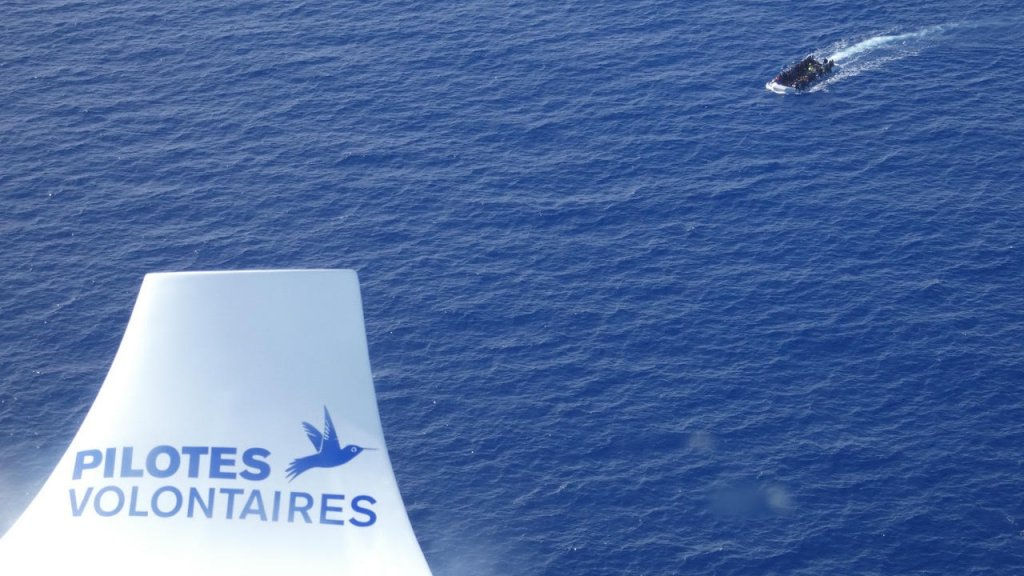 Depuis ses premières missions au-dessus de la Méditerranée, l'association Pilotes volontaires a repéré plus d'une vingtaine d'embarcations en détresse. Crédit : Pilotes volontaires