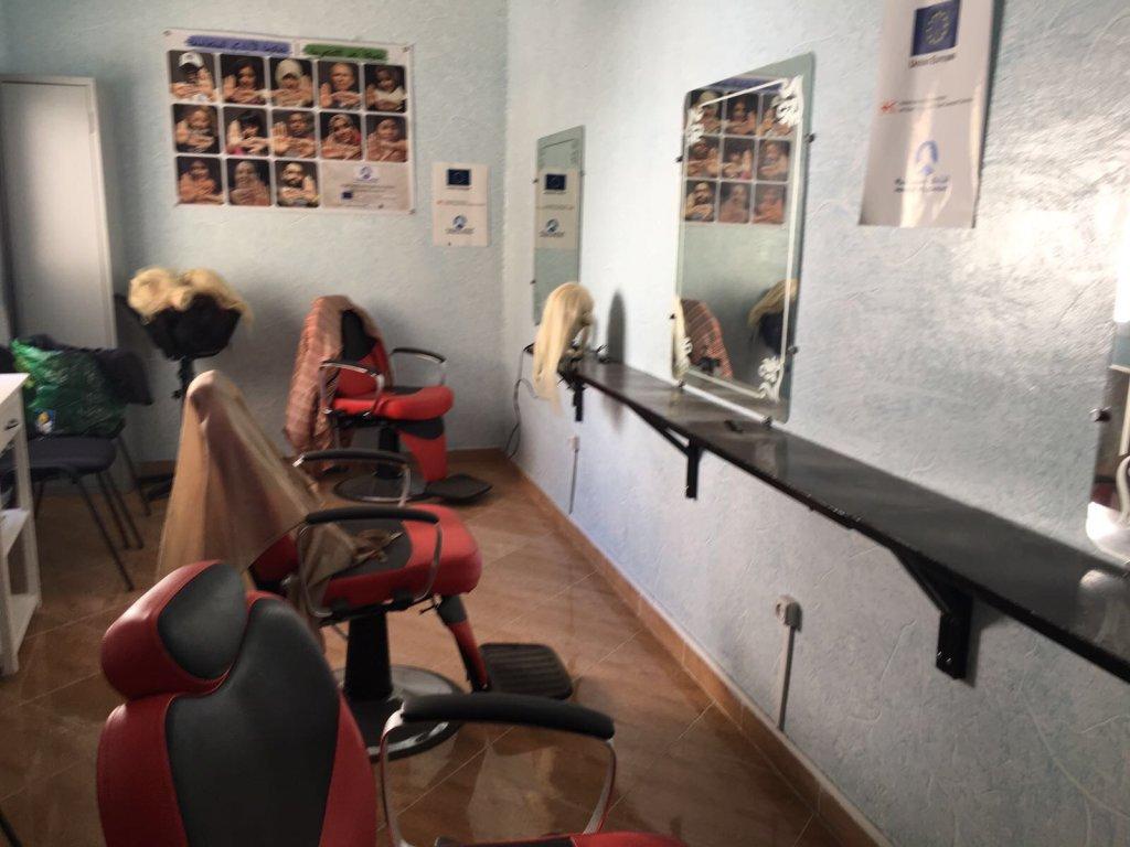 Salon de coiffure au sein de l'association. Crédit : Boualem Rhoubachi