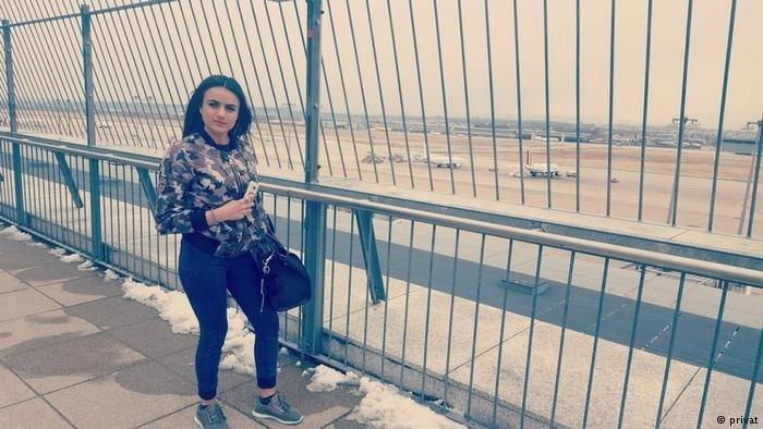 أشواق في مطار شتوتغارت في ألمانيا