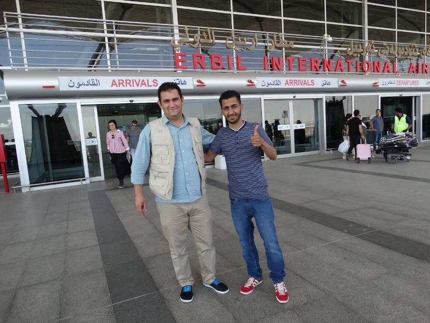 استقبال أحد اللاجئين من المطار. حقوق الصورة: ETTC