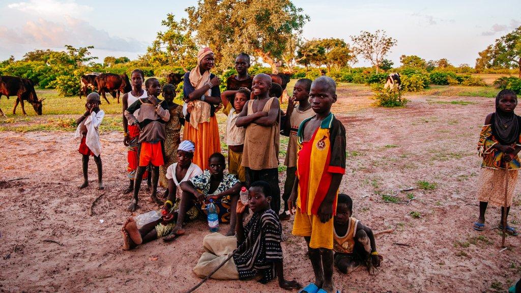 Raquel Maria Carbonell Pagola/LightRocket via Getty Images |Des enfants dans un village proche de Segou au Mali. (Image d'illustration)