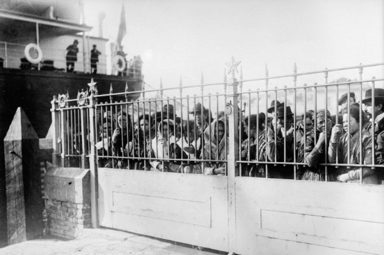 Italian migrants in France, in 1920. Photo: Museum of history of migration