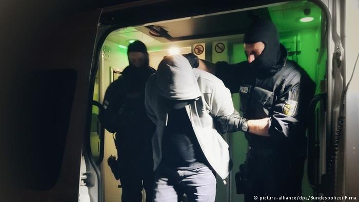 picture-alliance/dpa/Bundespolizei Pirna