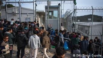 Le camp de Moria sur l'île de Lesbos est surpeuplé | Crédit D. Cupolo/DW