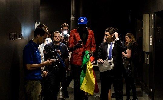 Sekou Doumbouya dans les couloirs du Barclays Center de New York Crdit  InfoMigrants