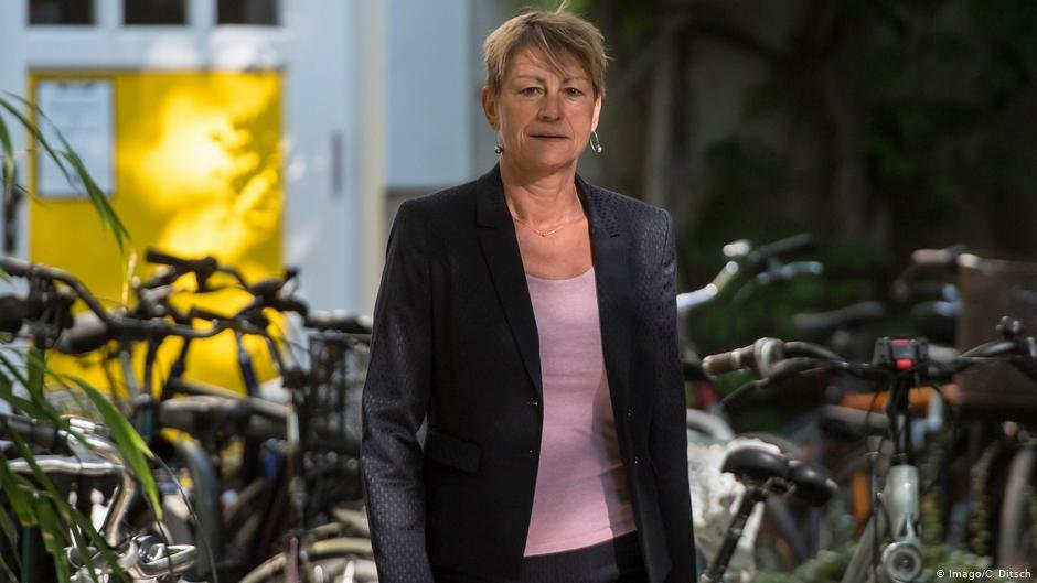 Elke Breitenbach is Berlin's minister for Integration, Labor and Social Affairs | Photo: Imago/C.Ditsch