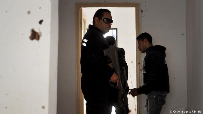 Tunesien Razzia Islamisten Polizei (Getty Images/F.Belaid)