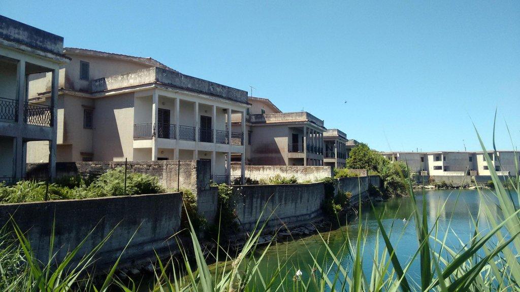 Ansa/ مبنى الفيلا التي تمت مصادرتها من جماعة كامورا الإجرامية في كاسل فولتورنو. المصدر: المكتب الصحفي لمنظمة رين أرشيجاي غير الحكومية.