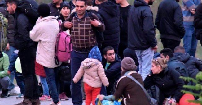 أ ف ب |مهاجرون في البوسنة قرب بلدة فيليكا كلادوشا 23 تشرين الأول/أكتوبر 2018