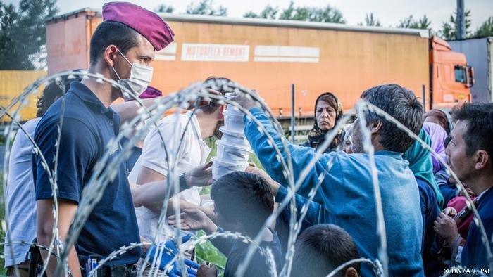 عکس از آرشیف دویچه وله/ویکتور اوربان از چهرههای مخالف حضور  پناهجویان در مجارستان پنداشته میشود.