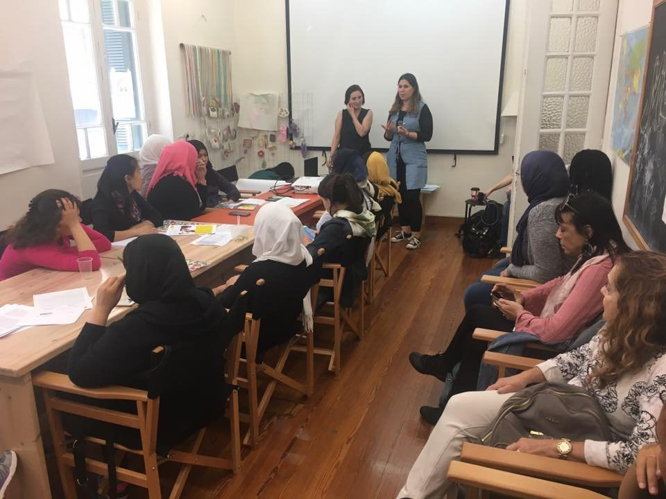 Des élèves assistent à un cours au Melissa Network à Athènes | Crédit : Melissa Network
