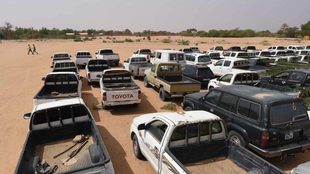 Au Niger, les camionnettes des ex-passeurs ont été confisquées. Crédit : Mehdi Chebil