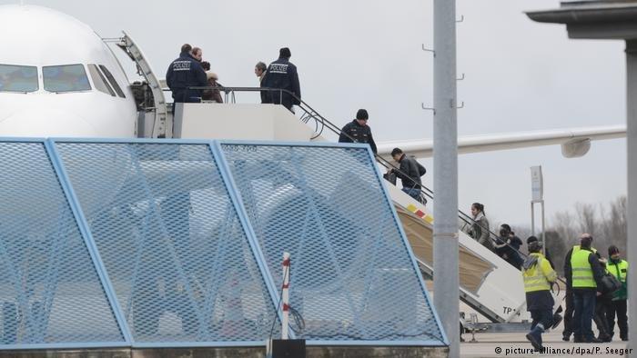 سازمان بین المللی مهاجرت میگوید برای پناهجویانی که به گونه اجباری به افغانستان فرستاده میشوند، کمک چشمگیری را انجام نمیدهد.