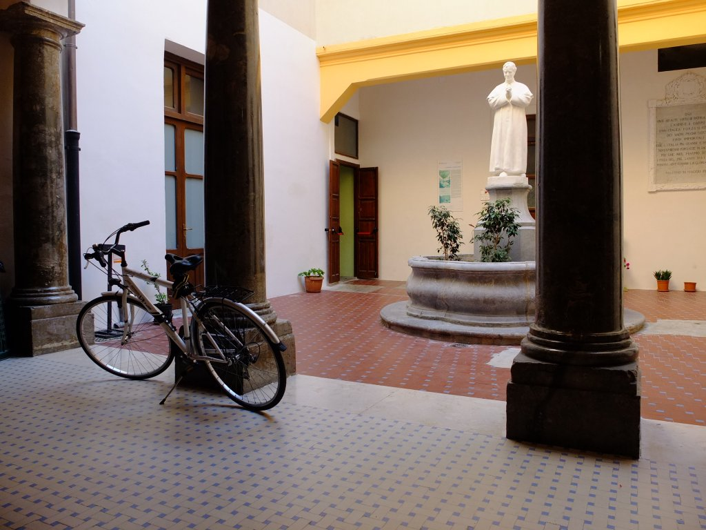 A bicycle stands in the Foresteria Santa Chiara in Palermo  Photo Salvo Bucca