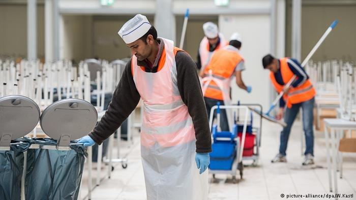 One euro jobs for refugees