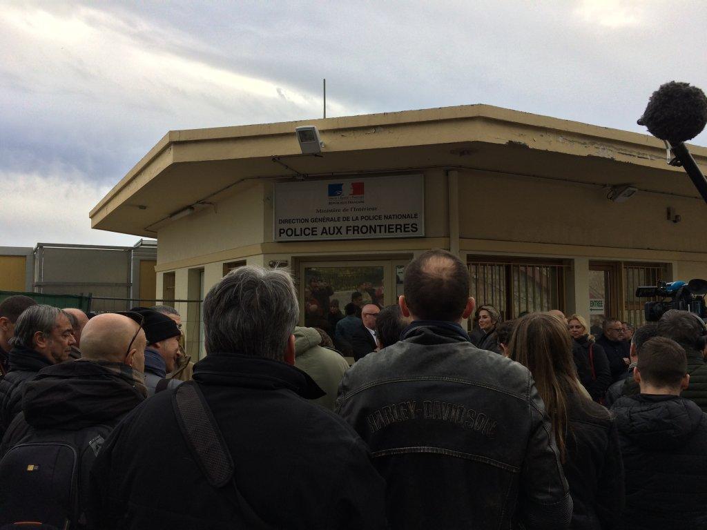 RFI/Bruno Faure  Le poste-frontière de Menton, le 13 février 2017, lors de la visite de Marine Le Pen.