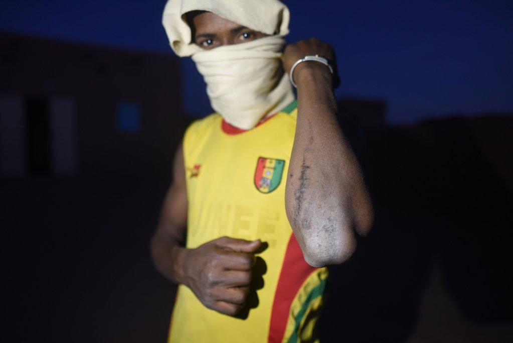 Un migrant à Agadez, au Niger. Crédit : Mehdi Chebil