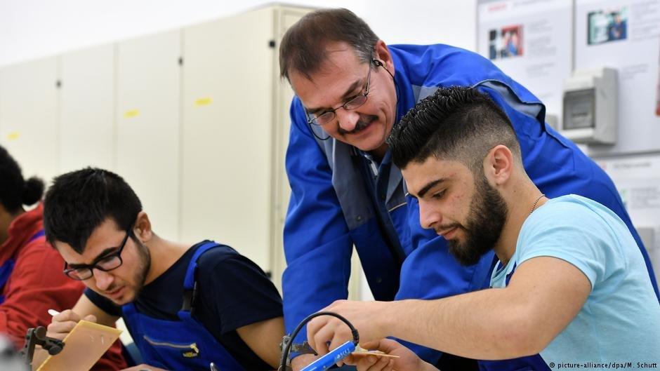 پناهجویان در حال کار آموزی