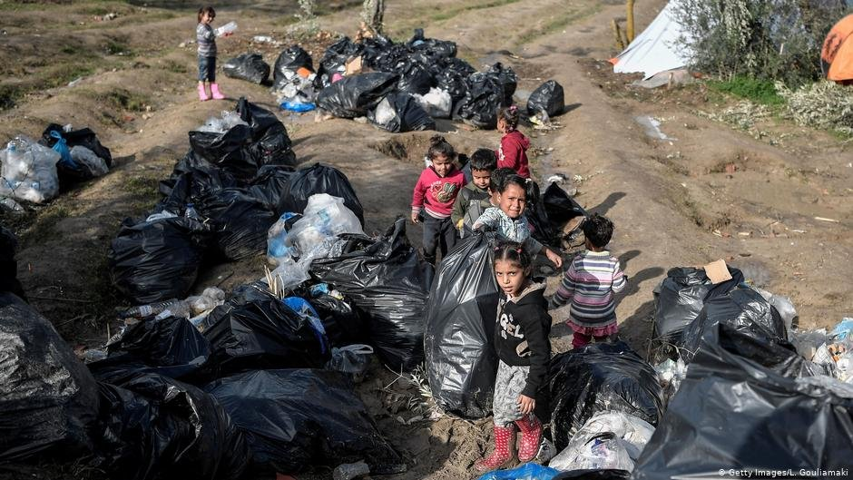 Refugee children on the island of Chios, Greece   Photo: Getty Images/L.Gouliamaki