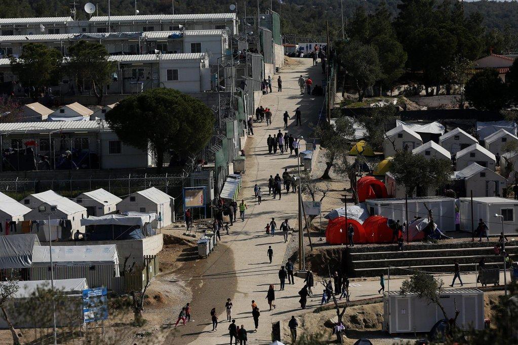 "ansa / مخيم اللاجئين في موريا بجزيرة ليسبوس اليونانية. المصدر: ""إي بي إيه"" / اوريستيس بانايوتو."