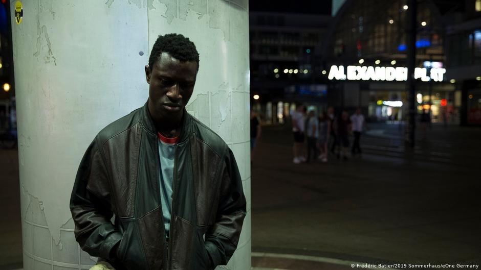 A film still from Berlin Alexanderplatz  Photo Frederic Batier2019 SommerhauseOne Germany