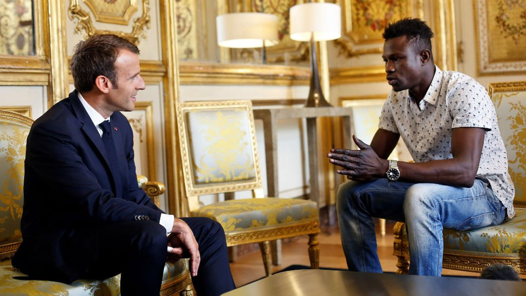 Mamoudou Gassama a été reçu par le président Emmanuel Macron à l'Élysée. Crédit : Reuters