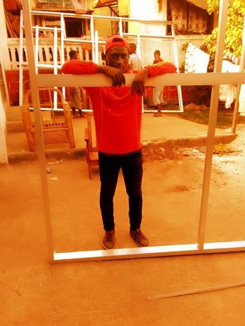 À son retour, Sylla Ibrahima Sory a suivi une formation de vitrier. Crédit : Sylla Ibrahima Sory
