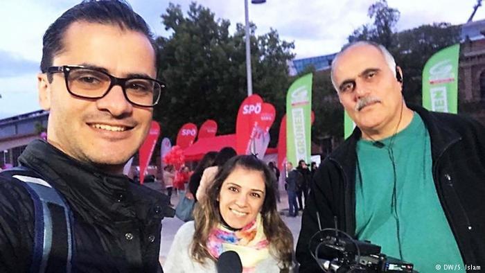 """من فريق مشروع """"كن معي مراسل""""، من اليمين: جمال الإمام، سيلفانا إسلام، أحمد مراد"""
