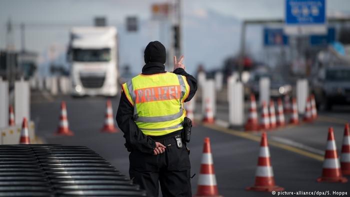 مراقبة الحدود